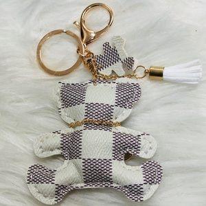 Keychain or key holder